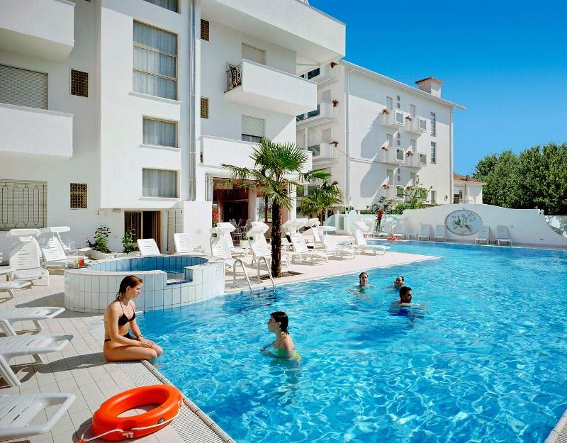 Pool hotel con piscina a bellaria igea marina albergo 3 stelle in riviera romagnola - Hotel con piscina bellaria ...